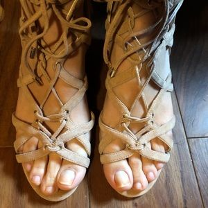 Kenneth Cole Dylan wedge lace up sandal 8.5